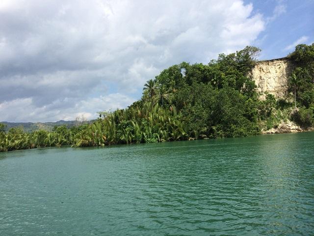 川の色もきれいでした