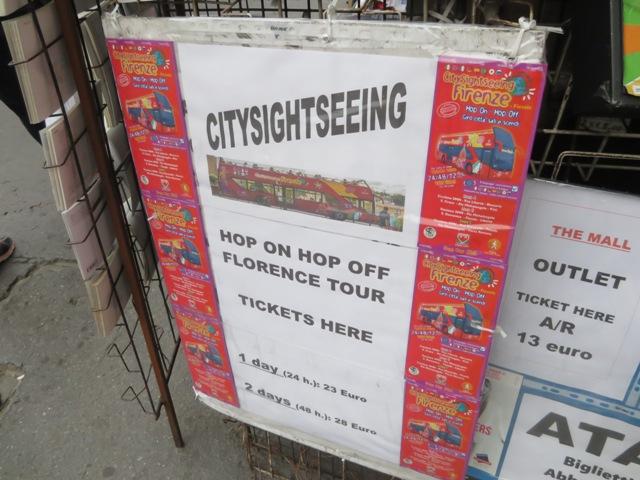 市内観光のツアーの看板
