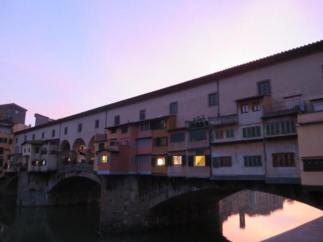 夕焼けのヴェッキオ橋