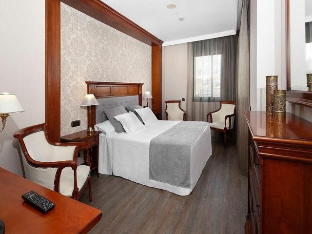 ベッドルーム。ホテルホームページより出典
