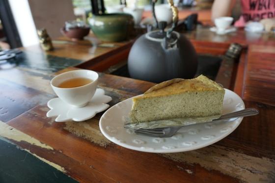 鉄観音茶と烏龍茶チーズケーキのセット