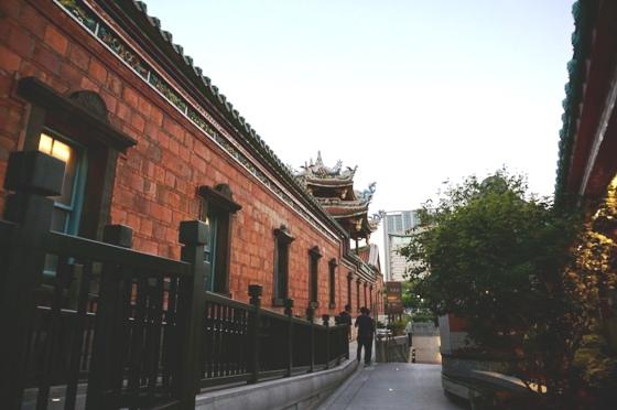 龍山寺の外壁