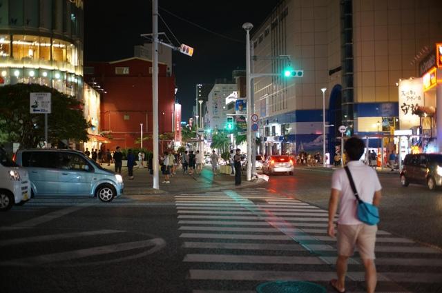 ホテル横の交差点