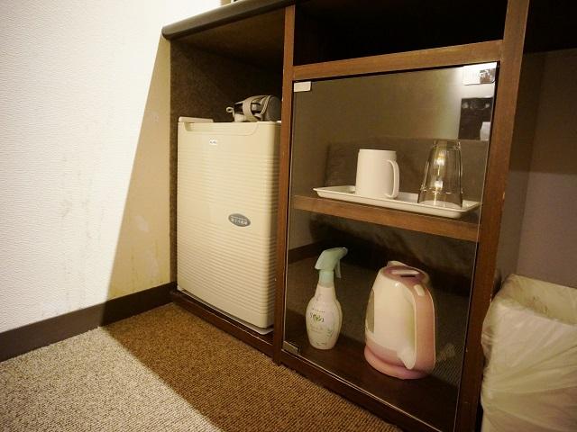 備え付けの冷蔵庫