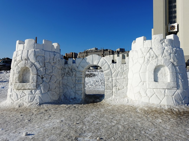 ice scrupture for christmas in vladivostok at central park