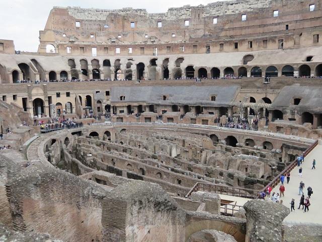 コロッセオの内部