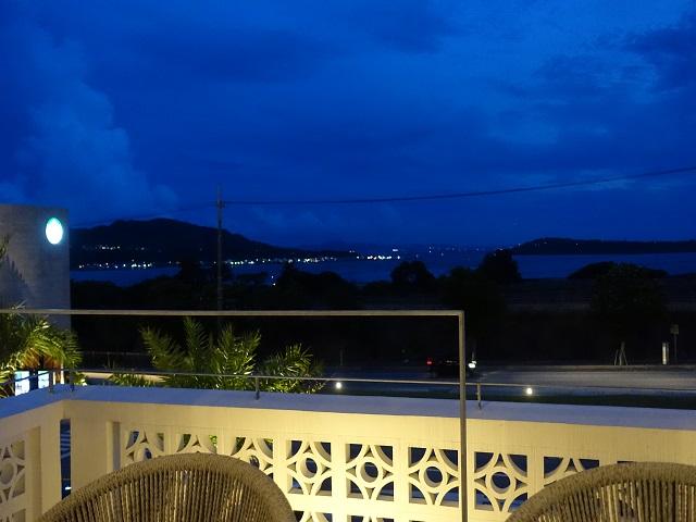 沖縄の夕暮れ後