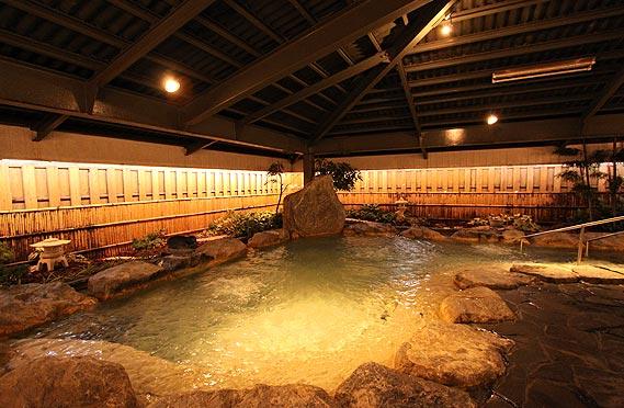マハイナホテルの大浴場