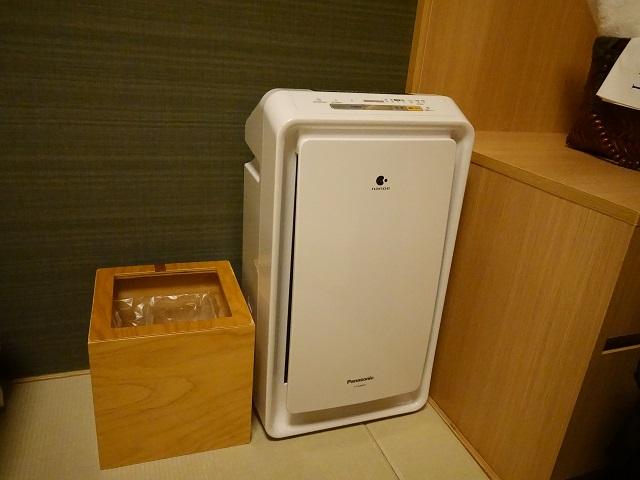ドーミーインの部屋に備え付けの空気清浄機