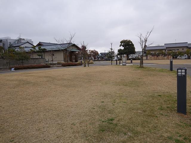 あわら温泉湯のまち駅前の広場