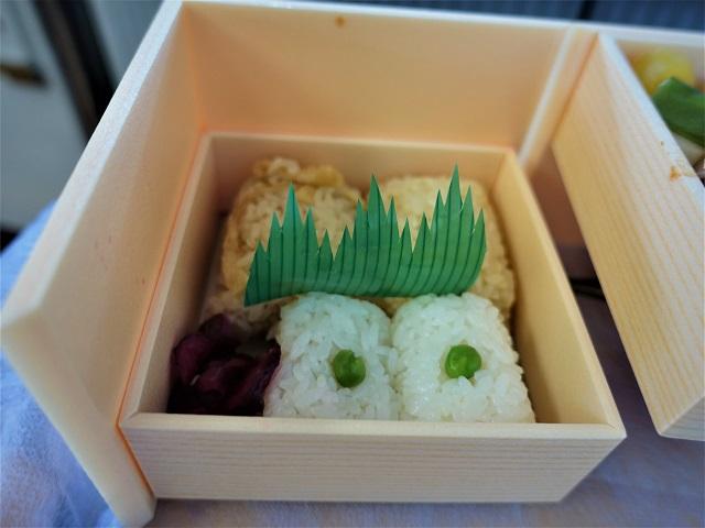 折鶴下段のおむすびも美味しい